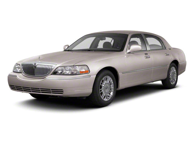 Lincoln Town Car 4dr Sdn Signature Limited